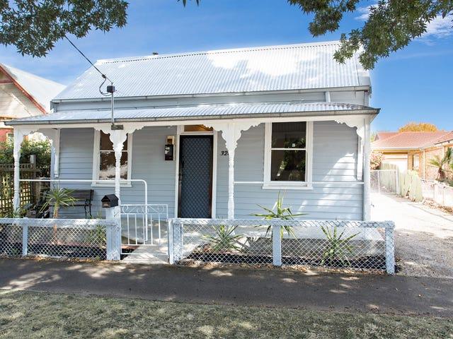 326 Raglan Street  South, Ballarat Central, Vic 3350