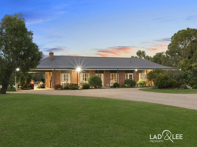 90 Gomms Road, Somerville, Vic 3912