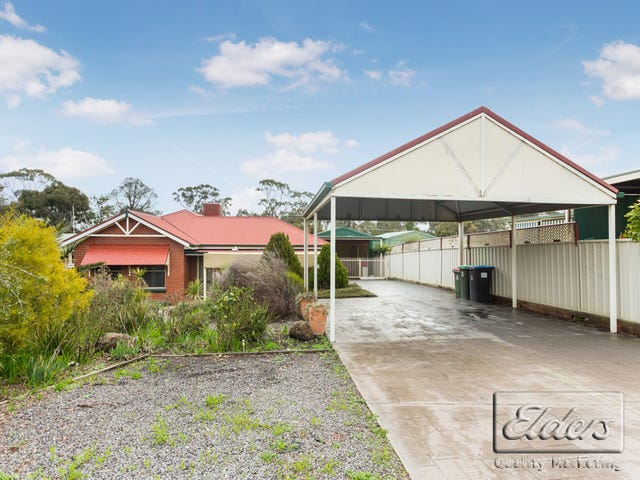 8 Diamond Court, Kangaroo Flat, Vic 3555