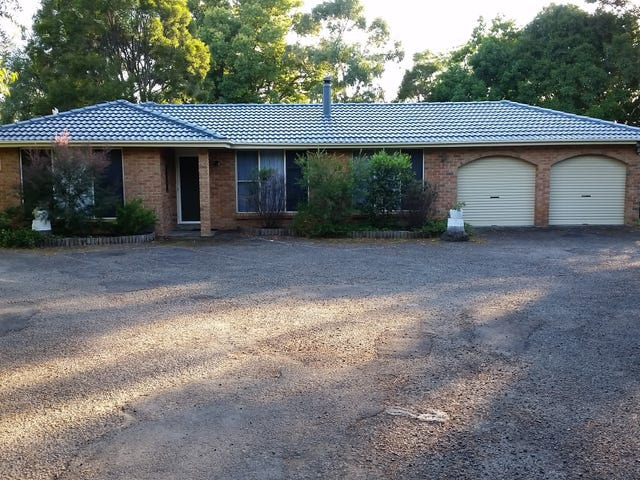 16 Lyndhurst Drive, Bomaderry, NSW 2541