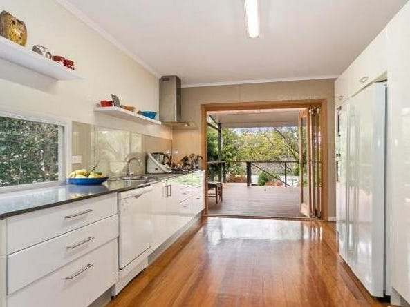 38 Currong Street, Kenmore, Qld 4069