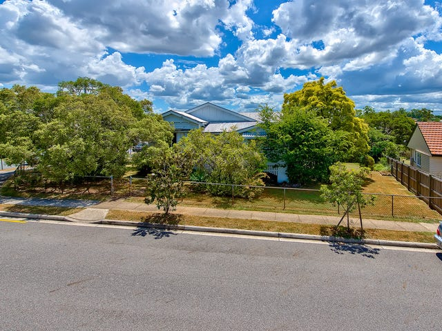 17 Gamelin Crescent, Stafford, Qld 4053
