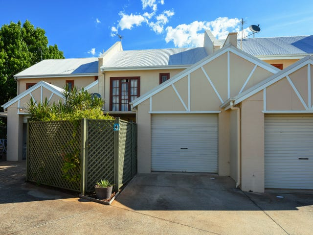 4/2 Sharon Court, Darling Heights, Qld 4350