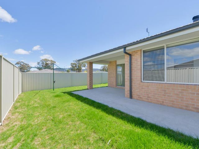 2B Reginald Drive, Kootingal, NSW 2352