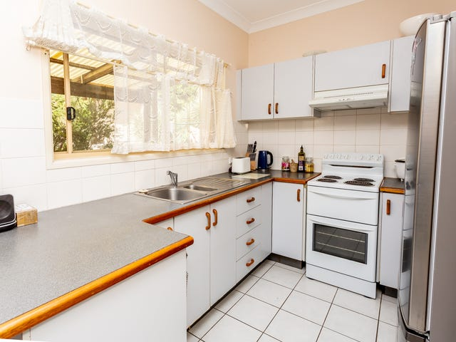1 & 2/13 Eshelby Drive, Cannonvale, Qld 4802