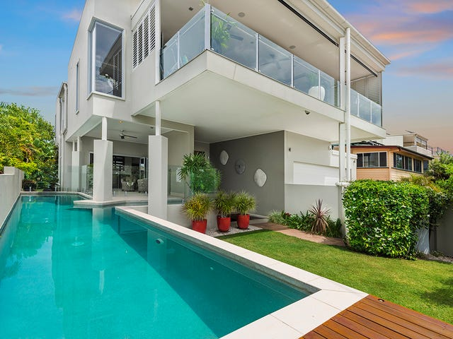 64 Oyster Point Esplanade, Scarborough, Qld 4020