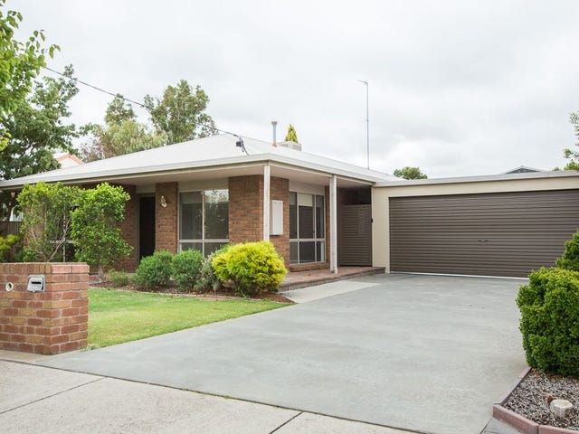 13 Farrar Avenue, Horsham, Vic 3400