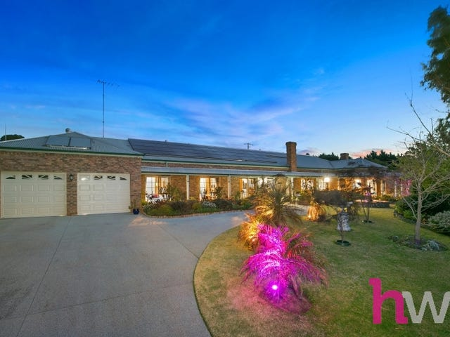 35 Meadowvale Drive, Grovedale, Vic 3216