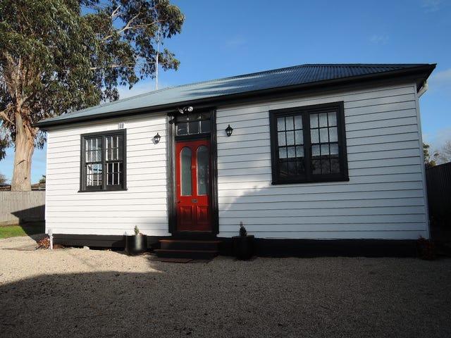 9B Howey St, Gisborne, Vic 3437