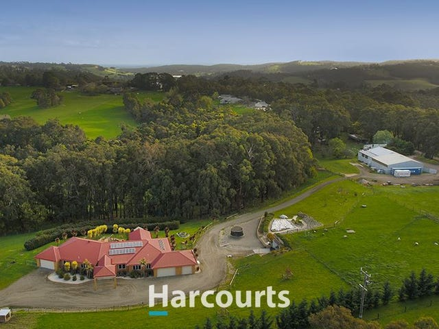 296 Bourkes Creek Rd, Pakenham Upper, Vic 3810