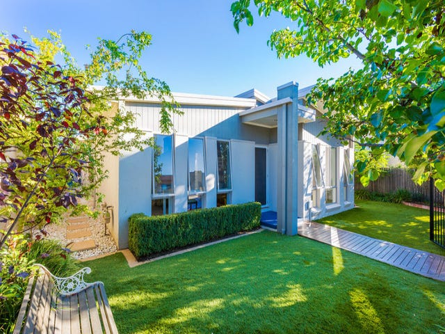 16 Bettie McNee Street, Watson, ACT 2602