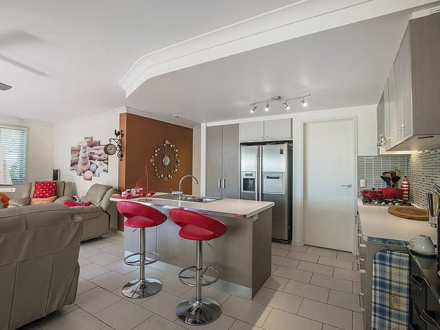 8/3208 Central Place, Carrara, Qld 4211