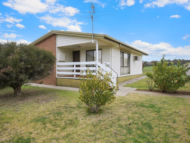 4 Campbell Court, Burrumbuttock, NSW 2642