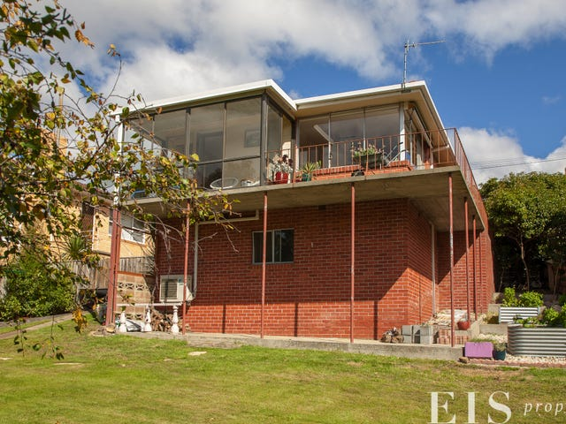 22 Manly Ave, Lindisfarne, Tas 7015
