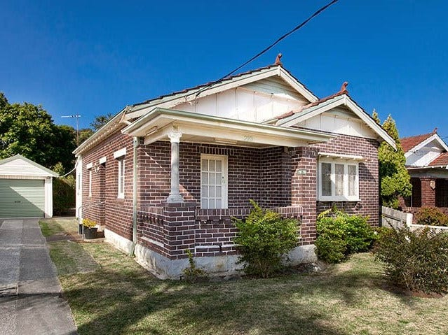 210 West Street, Blakehurst, NSW 2221