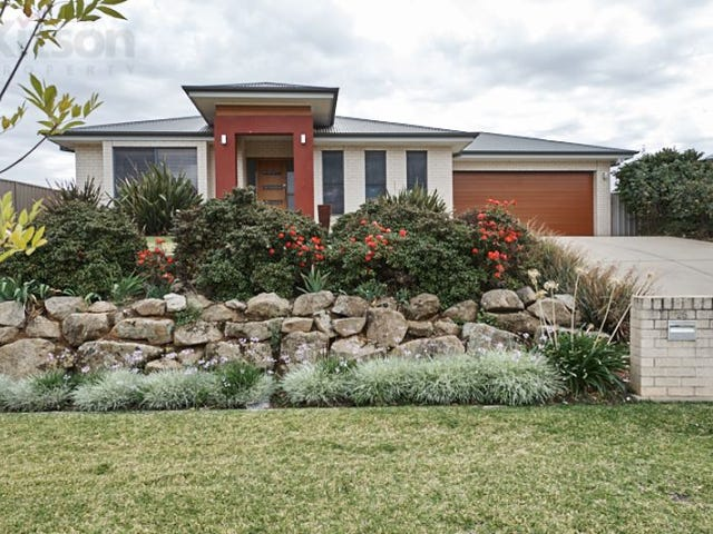 25 Bedervale Street, Bourkelands, NSW 2650