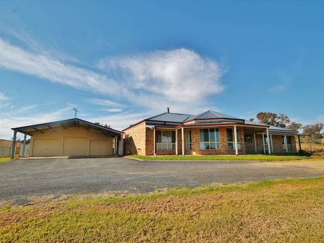 39 Burrows Road, Young, NSW 2594