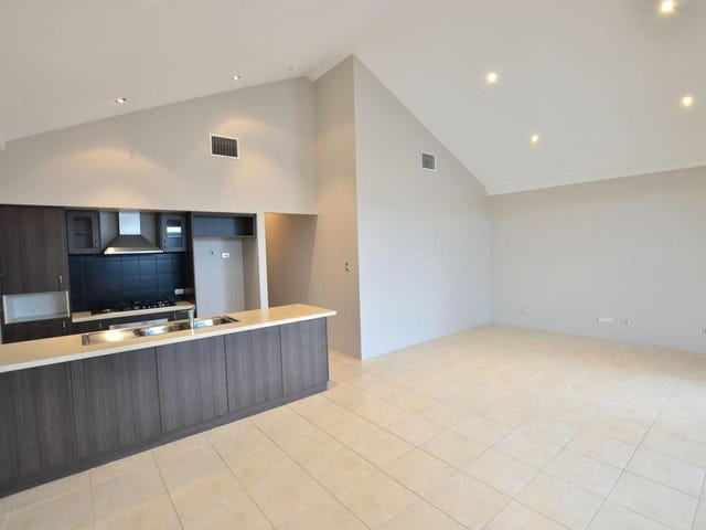 17 Pineroo Terrace, Ellenbrook, WA 6069