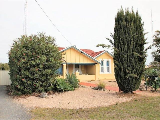 12 Hughes Avenue, Moonta Bay, SA 5558