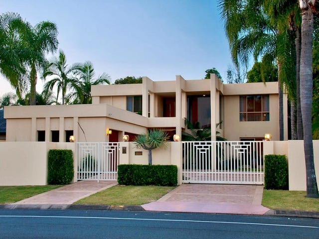 85 Santa Cruz Boulevard, Clear Island Waters, Qld 4226