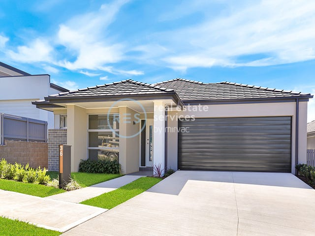 36 Hennessy Ave, Moorebank, NSW 2170