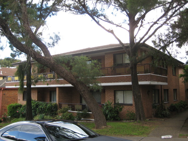 2/7-9 Winchester Street, Carlton, NSW 2218