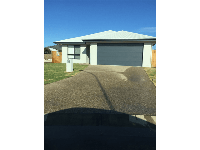19 Wakeboard Circuit, Kelso, Qld 4815