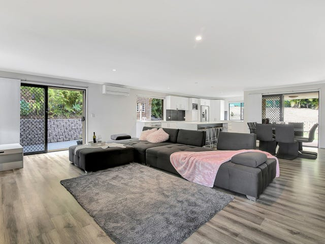 19 Issell Place, Highland Park, Qld 4211