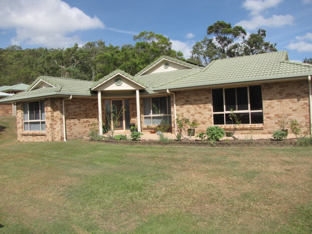 2 Mapley Court, Sarina, Qld 4737