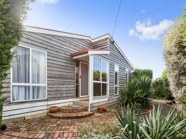 92 Beach Road, Torquay, Vic 3228