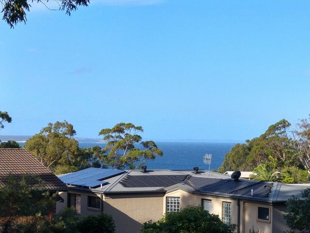 4 Bannister Head Road, Mollymook Beach, NSW 2539