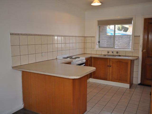 1/450 Kotthoff Street, Lavington, NSW 2641