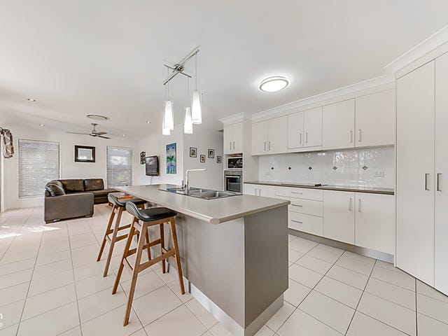 1 Seashell Court, Lammermoor, Qld 4703