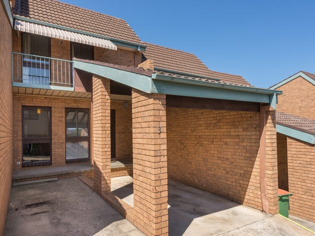 3/12 Nimmitabel Street, Queanbeyan West, NSW 2620