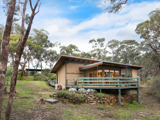 29 Hoopers Road, Chewton, Vic 3451