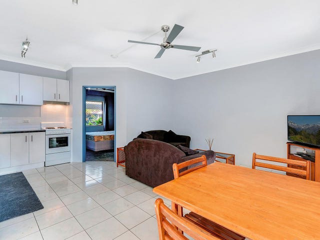 4/217 Spence Street, Bungalow, Qld 4870