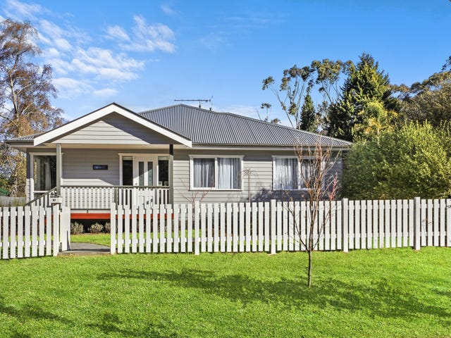 10 Backhouse Street, Wentworth Falls, NSW 2782