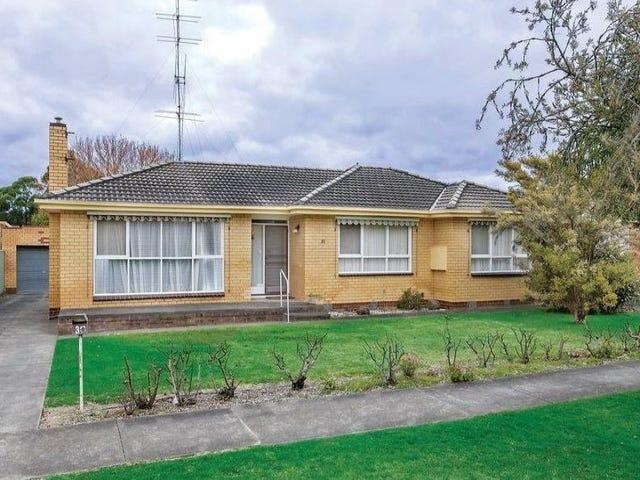 30 Lake Street, Wendouree, Vic 3355