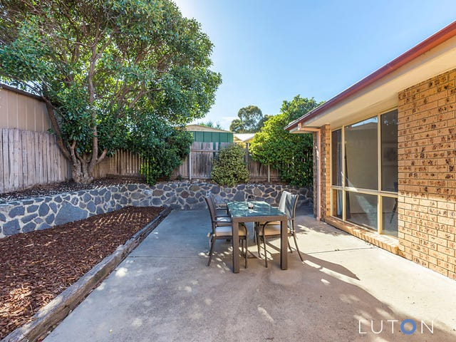 2/15 Forsythe Street, Banks, ACT 2906