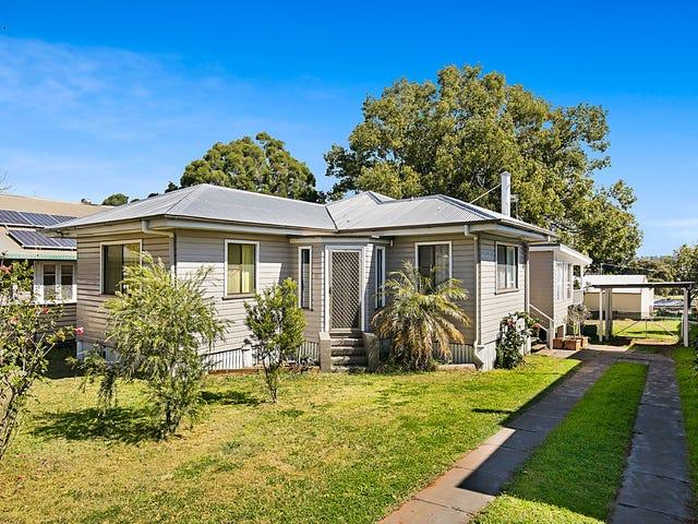95 Ruthven Street, North Toowoomba, Qld 4350