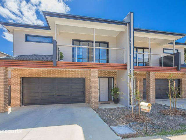 18 Lucia Crescent, Mount Clear, Vic 3350