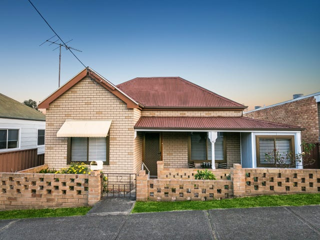12 Russell Street, Woonona, NSW 2517