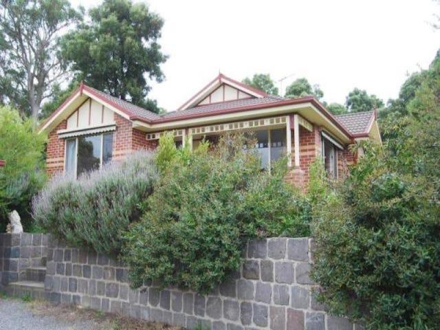 34 Wattletree Drive, Mount Helen, Vic 3350