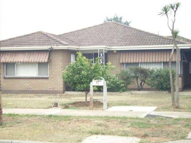 4 Blackwood Drive, Melton South, Vic 3338