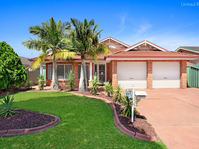 137 Pacific Palms Circuit, Hoxton Park, NSW 2171