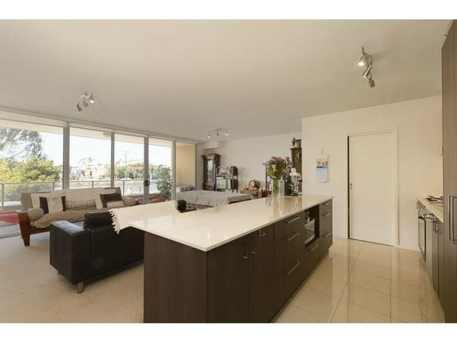 7/2 Saltriver Place, Footscray, Vic 3011
