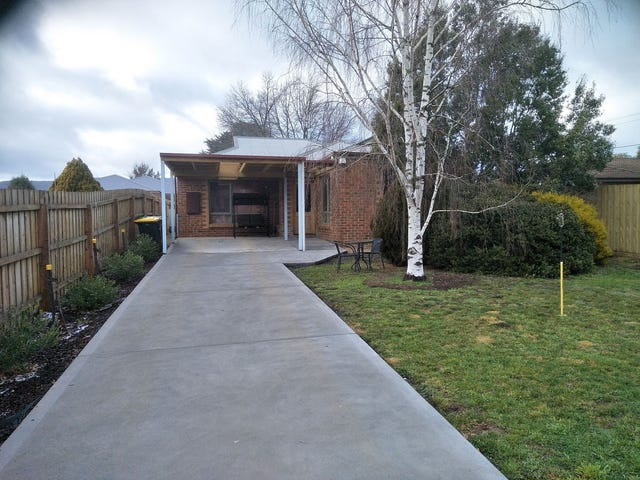 4 Burke St, Woodend, Vic 3442