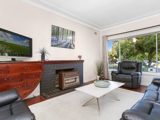 22 Baralga Crescent, Riverwood, NSW 2210