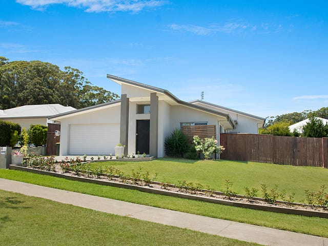 3 Forest Pines Boulevard, Forest Glen, Qld 4556