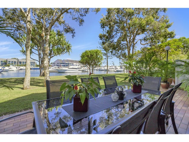 Port Meirion, 3 Marina Crescent, Hollywell, Qld 4216